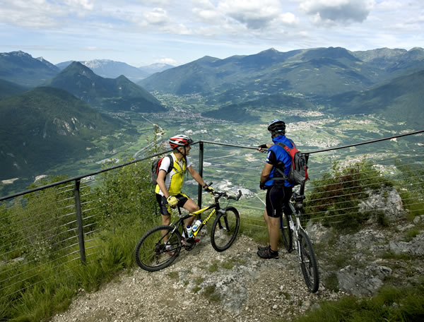 vacanze in bici in valsugana in mountain bike trentino levico terme hotel elite