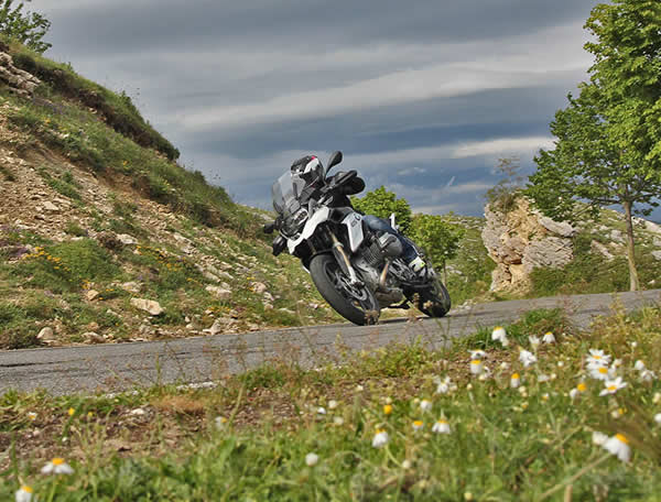 vacanze in moto in valsugana trentino in motoclicletta sul lago di levico