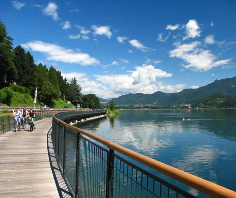 offerte WEEKEND in trentino last minute lago di levico in valsugana hotel 3 stelle